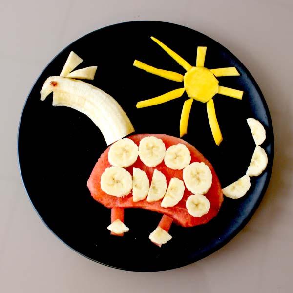 Eat fruits while having fun!