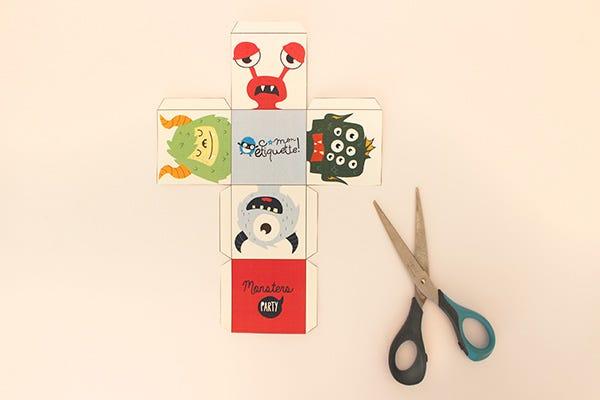DIY cubes puzzle