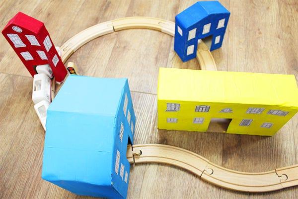DIY ville carton pour train en bois
