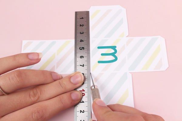 Atelier DIY fabrication de cubes alphabet en papier