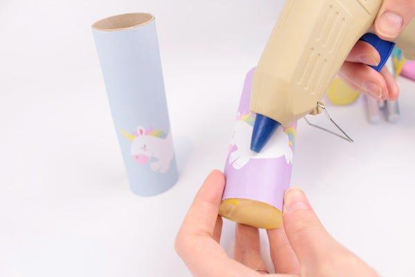 Atelier DIY pour fabriquer des pots à crayons super-héros et licornes