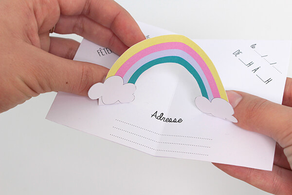 Cartons d'invitation arc en ciel DIY