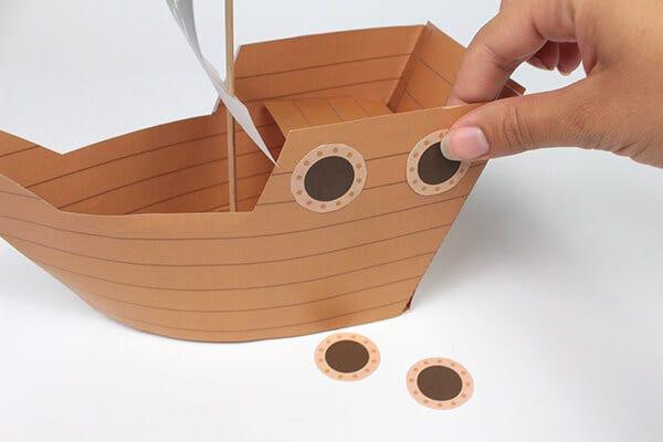 Partez à la conquête de l'océan avec votre bateau pirate à fabriquer