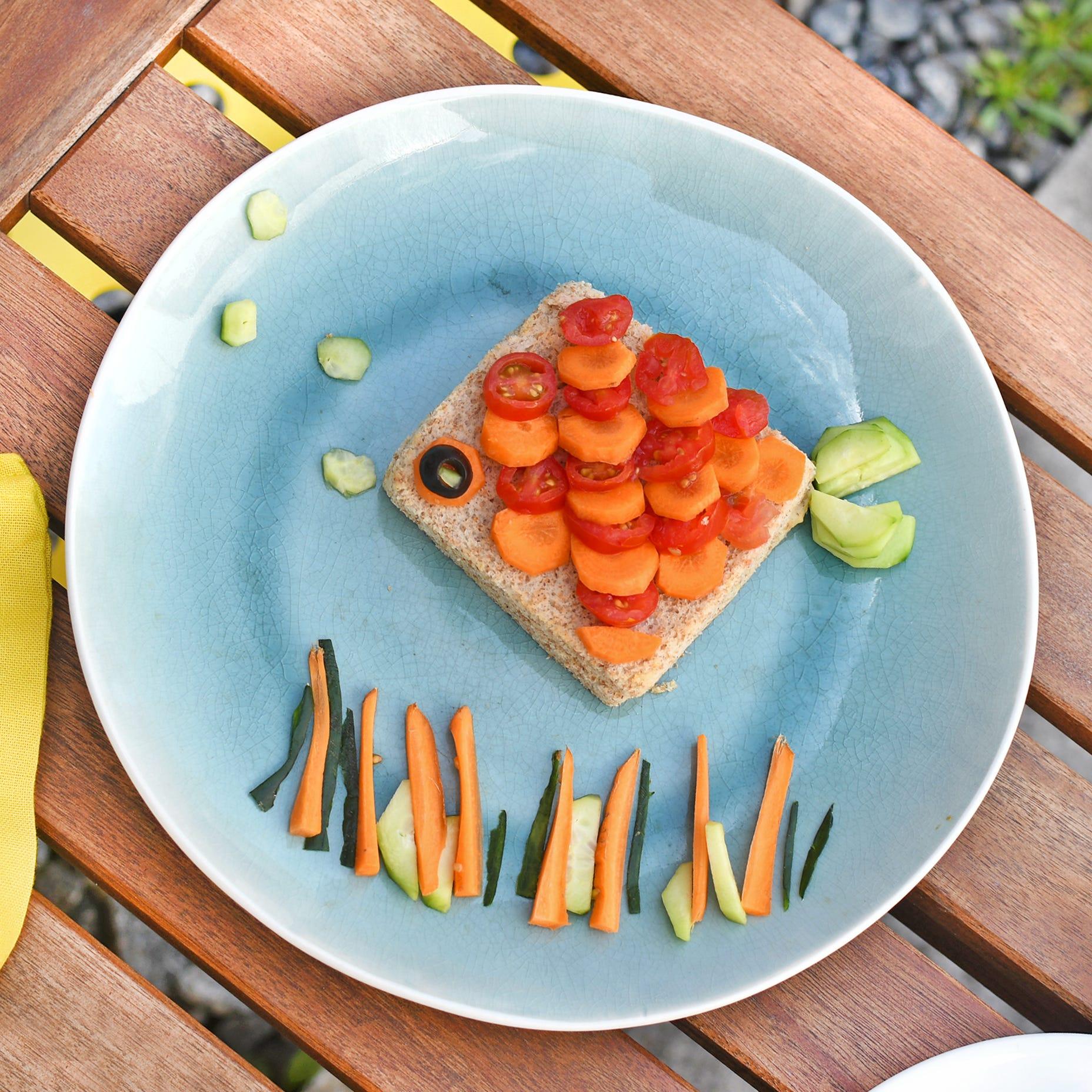 Un sandwich sain en forme de poisson : l'idéal pour les pique-niques de vos vacances !