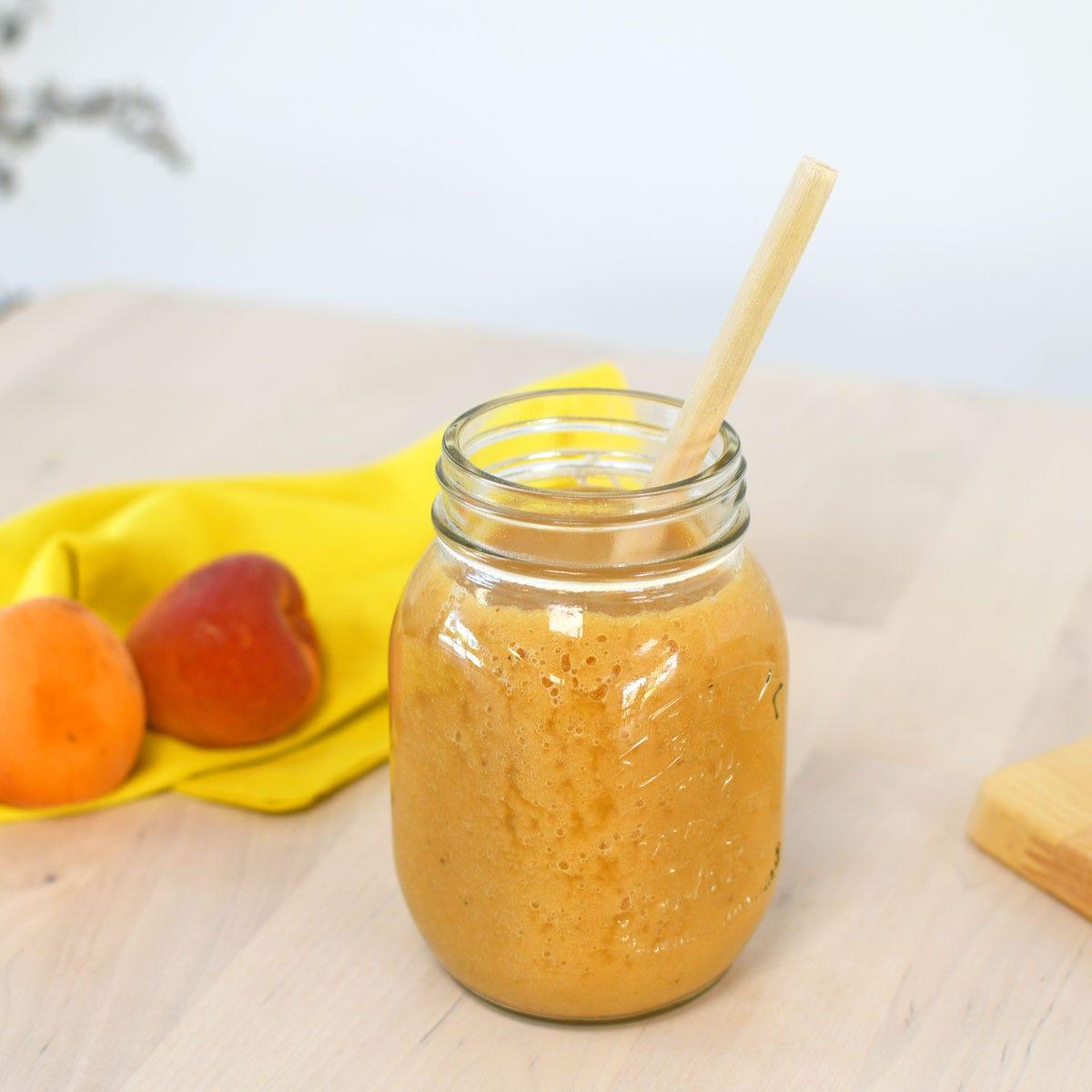 L'idéal pour se rafraichir en été : un délicieux smoothie facile à réaliser avec des fruits de saison !