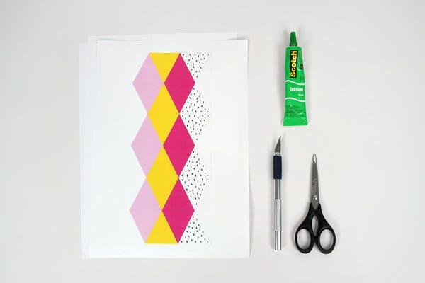 Découvrez comment réaliser ces flextangles fruités et acidulés, un incontournable jeu de pliage de papier pour amuser tous les petits gourmands !