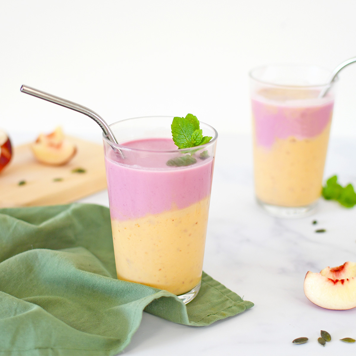 Un délicieux smoothie coloré bien frais, l'idéal pour les petits déjeuners et goûters !